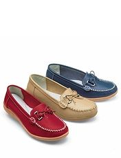 LADIES REAL LEATHER MOCCASIN CASUALS