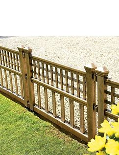 Set of 4 Bronze Garden Fence Panel