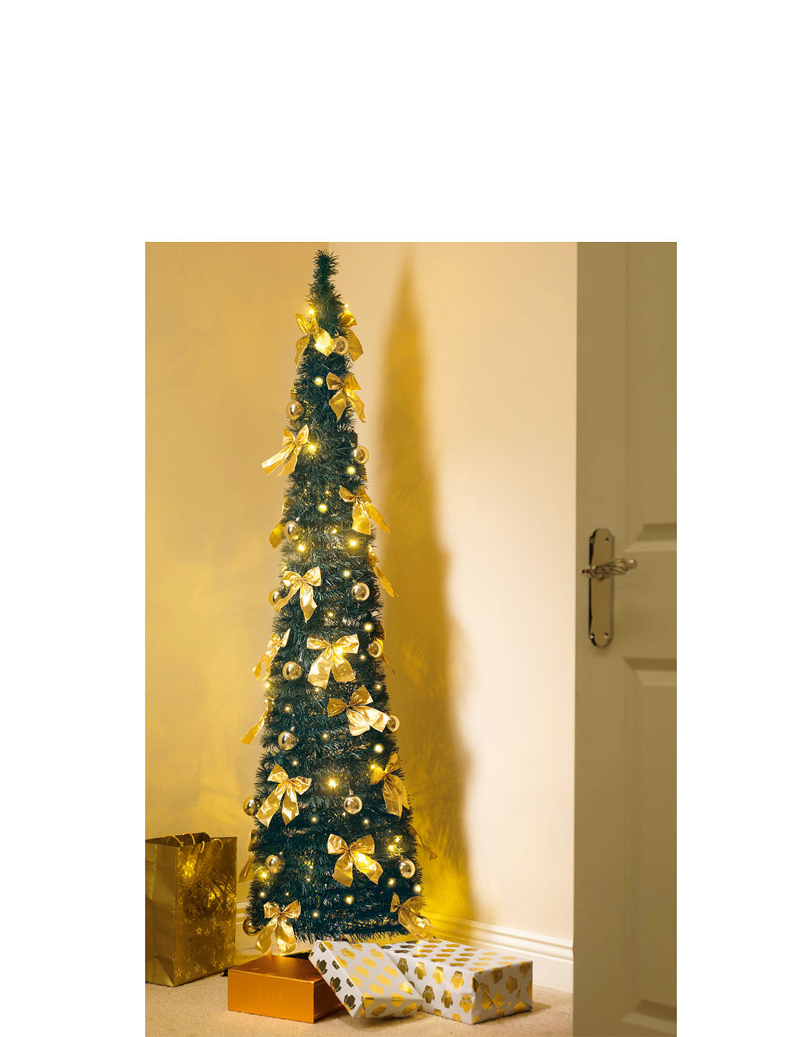 six foot pop up fully decorated christmas tree chums. Black Bedroom Furniture Sets. Home Design Ideas