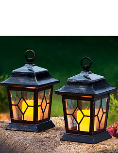 Traditional Coach Lanterns With Flickering Candle LED Lights
