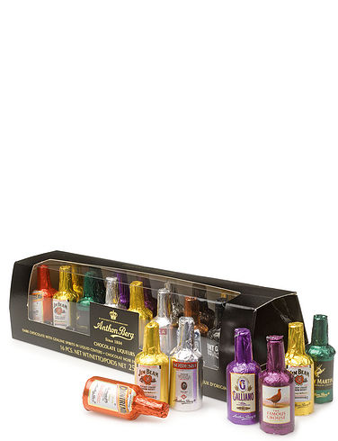 16 Piece Liqueur Gift Set