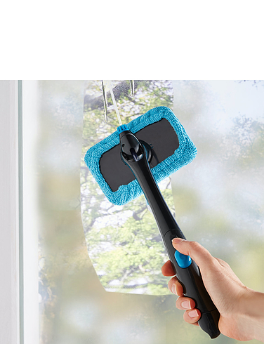 Long Reach Glass Cleaner With Built In Water Sprayer