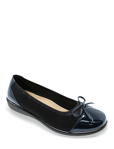 Ladies Patent and Bow Trim Ballerina Shoe