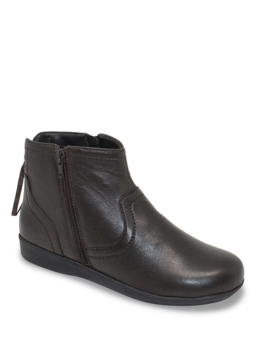 Leather Thermal Lined Twin Zip Boot With Back Tassle Design Detail Wide Fit
