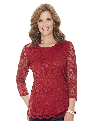 Scallop Lace Three Quarter Sleeve Top
