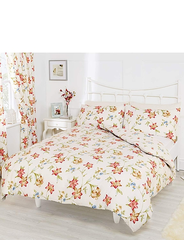 Floral Trail Quilt Cover Set by Rectella