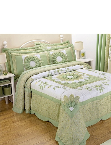 Home & Garden CAROLINE LUXURY QUILTED PUFFBALL COLLECTION BY RINGLEY HOME
