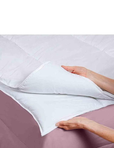 Four Seasons Soft Touch Duvet Set by Downland