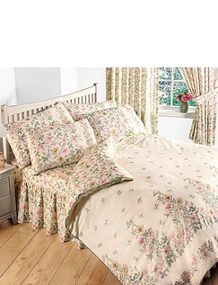 Cottage Garden Duvet & Curtains by Vantona