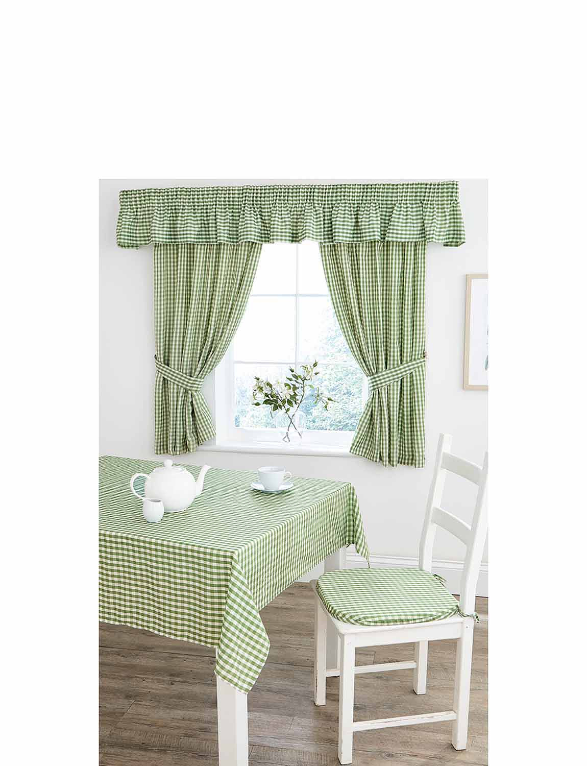 Country Gingham Kitchen Tablecloth Chums